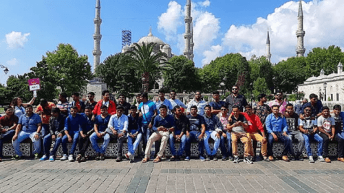 Hintli İş Adamından Çalışanlarına İstanbul Hediyesi