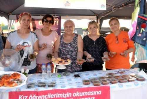 Mersin'de Gönüllü Kadınlardan Örnek Davranış