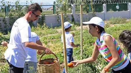 Lösemili Çocuklar Organik Besinler Üretiyor!