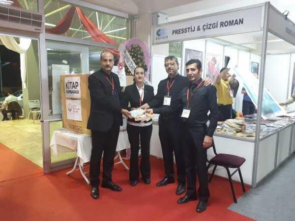 Köy Okulları İçin 9 Koli Kitap Toplanmasını Sağladı!