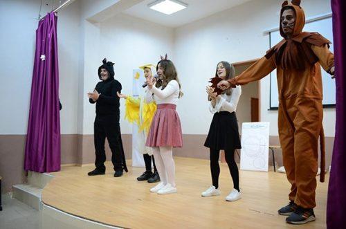 """Lise Öğrencileri Köylerdeki Çocuklar İçin """"Tiyatro Turnesine"""" Çıkıyor"""