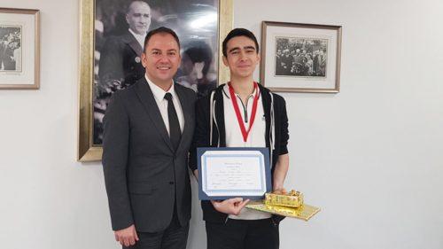 Türk Öğrenci Matematikte Dünya 8'incisi Oldu