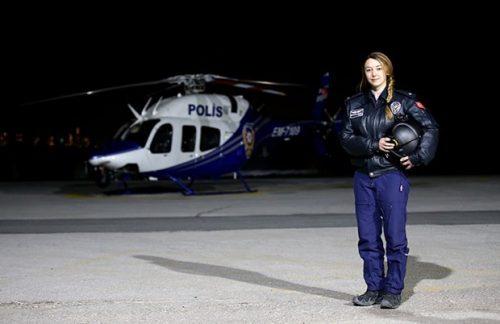 İşte İlk Kadın Helikopter Pilotu