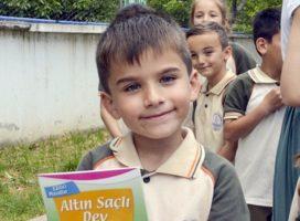 Üniversite Öğrencilerinden Köy Okullarına Kitap Bağışı