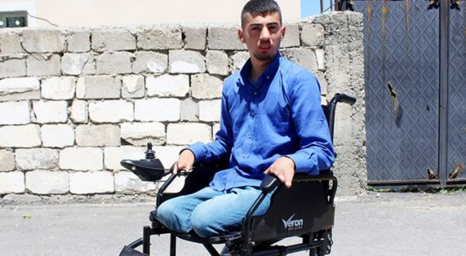 İngiltere'den Engellilere Akülü Tekerlekli Sandalye Sürprizi