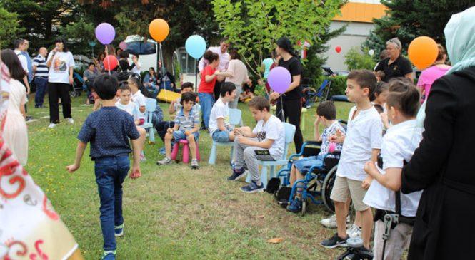 Cerebral Palsy'li Öğrenciler Başarılarını Yaz Şenliğiyle Kutladı