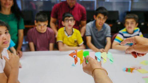 Özel Çocuklar Origamiyle Kodlama Öğreniyor