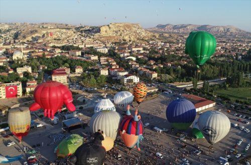 Uluslararası Kapadokya Balon Festivali'nden renkli görüntüler