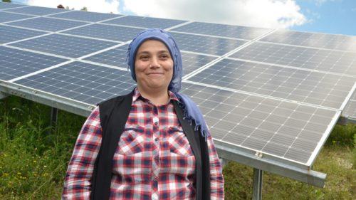 Tarlasında Güneş Enerjisiyle Elektrik Üretmeye Başlamıştı, Şimdi Tüm İlçenin İhtiyacını Gideriyor