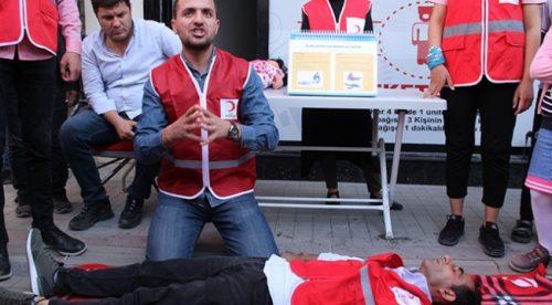 Türk Kızılay Gönüllülerinden Vatandaşlara Eğitim