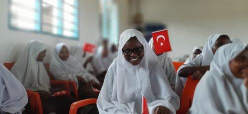 Türk Diş Hekimleri TİKA İle Kenyalıların Yüzünü Güldürdü
