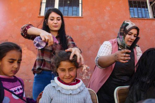 Köy Çocuklarının Saçları İçin Seferber Oldular