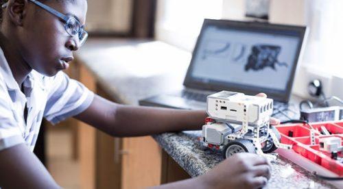 Google 200 Bin Afrikalı Öğrenciye Dijital Eğitim Verecek