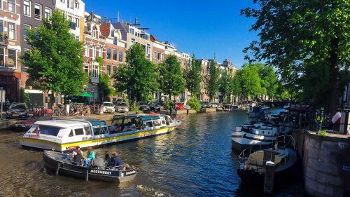 Amsterdam Elektrikli Botlara Geçiyor