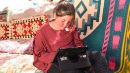 Bakan Selçuk'tan Yayladaki 3 Öğrenciye Hediye Tablet